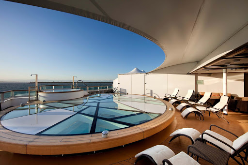 Seabourn_Odyssey_Sojourn_Quest_Spa_Terrace-3 - Yearning for a best-in-class whirlpool? The Spa Terrace aboard Seabourn Odyssey is a private area for spa aficionados.