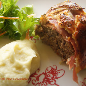 Meatloaf with Poppy Seeds in Puff Pastry