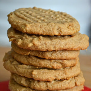 Super Easy Three Ingredient Peanut Butter Cookies #Recipe.