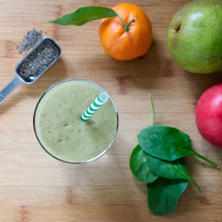 Berry Mandarin Green Smoothie