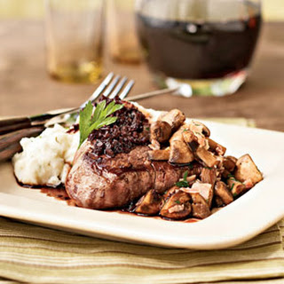 Filet Mignon with Cabernet Sauce