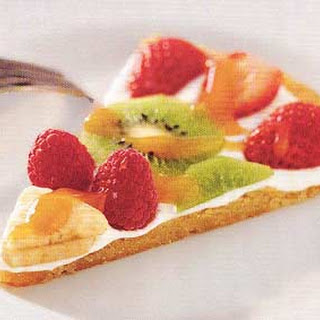 Fruit and Cookie-Crust Pizza.