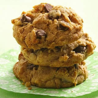 Chocolate Chip and Peanut Butter Cookies.