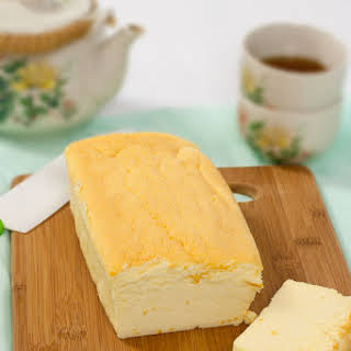 Japanese Cheesecake (Fluffy & Creamy).