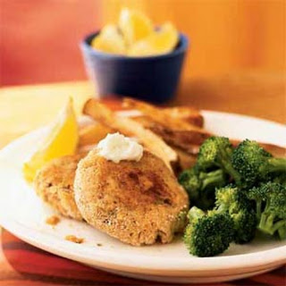 Cajun Salmon Cakes with Lemon-Garlic Aioli