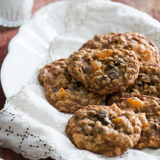 Apricot Oatmeal Cookies with Chocolate Chips Recipe