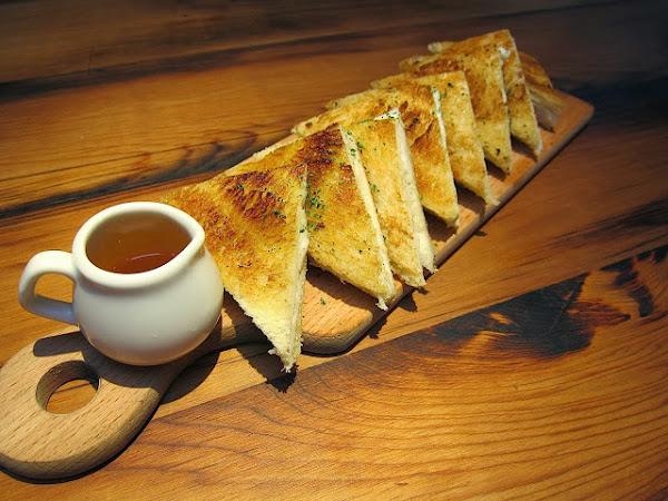 【四種乳酪三明治,我終於吃到你了!】Whinos Bar & Kitchen