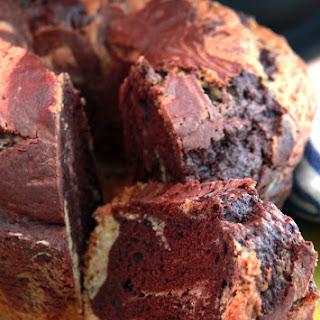 Marble Ring Cake.