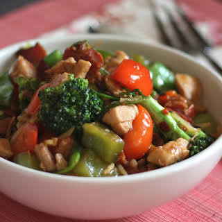 Spicy Chinese Vegetable Stir Fry with Chicken.