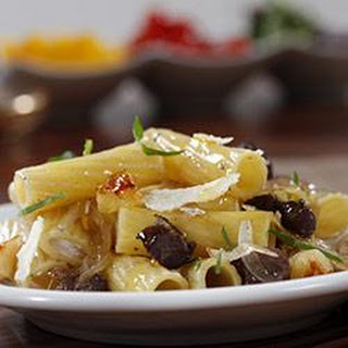 Rigatoni with Duck, Onions, Apple and Red Wine