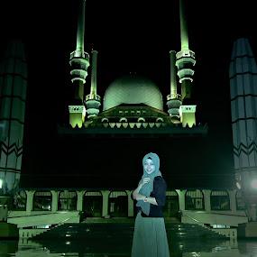 Hijab with Love by Ajoenk Photohunt - People Fashion