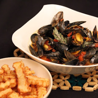 Mussels Provencal with Fries.