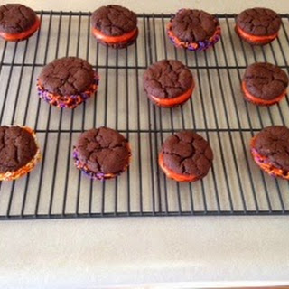 Halloween homemade Oreo cookies