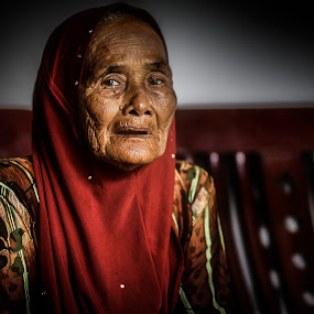 by Mohd hafizan Ilias - People Portraits of Women