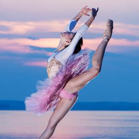 Sunset dance by MIHAI CHIPER - People Portraits of Women ( , #GARYFONGDRAMATICLIGHT, #WTFBOBDAVIS )