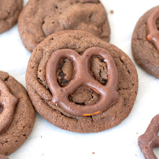 Melt in Your Mouth Chocolate Dipped Pretzel Cookies
