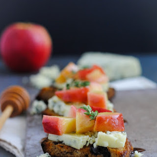 Raisin Crostini with Blue Cheese & Apples