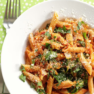 Tomato Pasta With White Wine And Spinach.