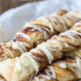 Cinnamon Roll Breadtwists