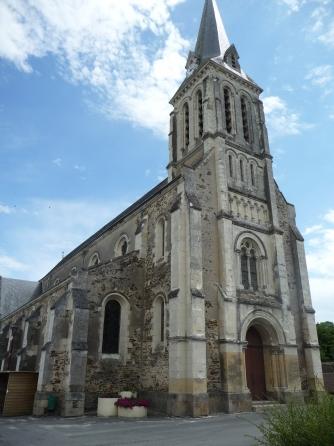 photo de eglise St Caprais - LOIRÉ -