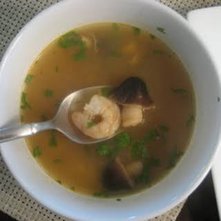 Easy Thai Lemongrass Soup (Tom Yum Goong).