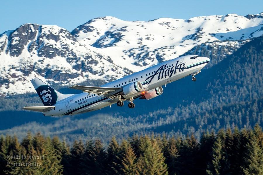 Alaska Airlines departing Juneau by Keith Draycott - Transportation Airplanes ( juneau international jnu pjnu, canon, eos, keith draycott, n708as (cn 28895/3098), alaska airlines, boeing 737-490 )