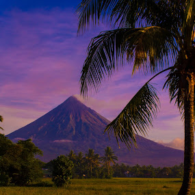 Mayon Volcano by Krizzel Almazora - Landscapes Mountains & Hills ( mayon volcano albay philippines landscape canon,  )