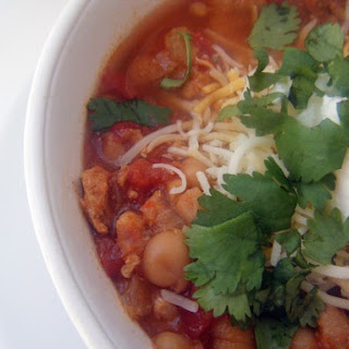 (Slow Cooker) Mexican Style Chicken Chili.
