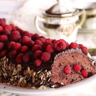 Raspberry-Chocolate Roll Cake.