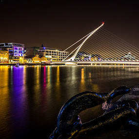 Samuel Beckett Bridge - Dublin by Vaidotas Maneikis - Buildings & Architecture Bridges & Suspended Structures ( ireland, dublin, samuel beckett bridge, long exposure, night, river, Urban, City, Lifestyle )