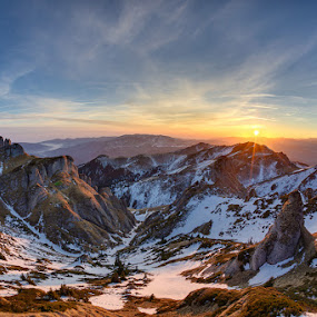 Sunset in Ciuccas by Alin Dobrin - Landscapes Mountains & Hills ( mountains, winter, sunset, ciucas, piatra craiului, cheia, bucegi )