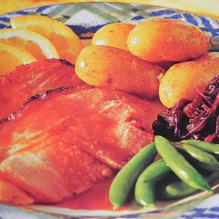 Ham Geglazuurd Met Rodebessen Gelei In Madeira Saus