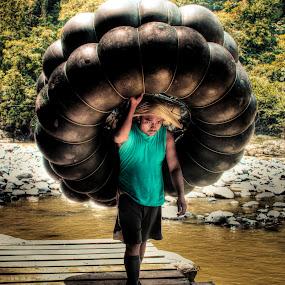 Tire Man by Alief N Ardiansyah - People Street & Candids ( work, sumatra, indonesia, spirit, man )