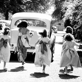 The Chase by Martin Hill - Wedding Groups ( documentary photography, weddings bristol )