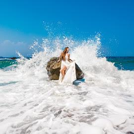 by Alexander Hadji - Wedding Other ( splash, wedding, greece, weave, bride )