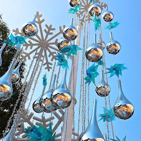 BLUE CHRISTMAS by Jose Mata - Public Holidays Christmas