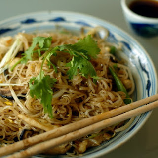 Rice Noodles With Chicken