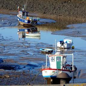 5 boats  by Ste D - Transportation Boats ( water, sand, mud, boats, reflections, stones,  )