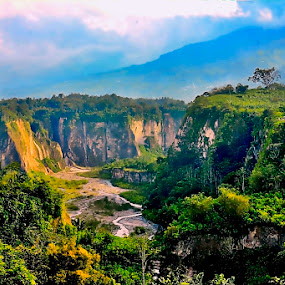 Sianok canyon in Bukittinggi by Syafriadi S Yatim - Landscapes Mountains & Hills