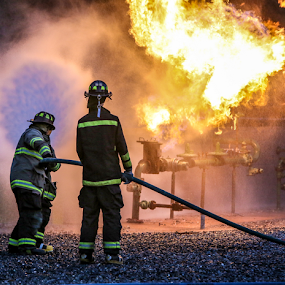 Natural Gas Live Burn Drill by Dave Dabour - News & Events Disasters ( 98 fire, live burn, sfd, warren county, mnatural gas, , fire, night, flames )