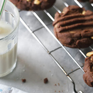 Chocolate Peanut Butter Crunch Cookies