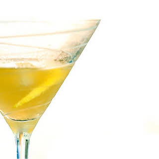 Lemon Vodka Spritzer Cocktail.