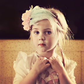 Tylah by Alan Evans - Babies & Children Child Portraits ( pretty girl, children, feathers, photography, portrait,  )