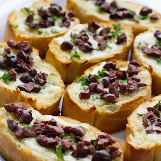 Baked Brie Bites with Olives & Roasted Garlic & Crisp Kitchen Tools #Giveaway #HolidayRecipes