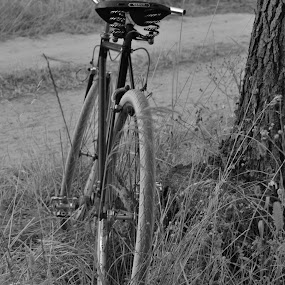 by José Borges - Black & White Objects & Still Life ( Bicycle, Sport, Transportation, Cycle, Bike, ResourceMagazine, Outdoors, Exercise, Two Wheels )