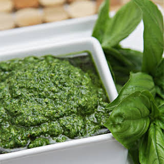 Basil Pesto – One That Will Stay Bright Green!.