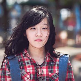hip by Chuyên Blue - People Portraits of Women