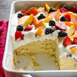 Easy Summer Cake with Fruit & Cream.