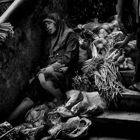 So Tired by Ngatmow Prawierow - Instagram & Mobile Other ( old, indonesianpeople, bw, zizigallerydotcom, kofipon, candid, people, nokian8, banjarnegara, streetphoto,  )