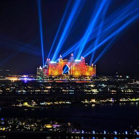 Atlantis Laser Battle by Sidharth Vithaldas - Landscapes Travel ( palmjumeirah, dubai, fireworks, laser, dubai marina, dubai photographer )